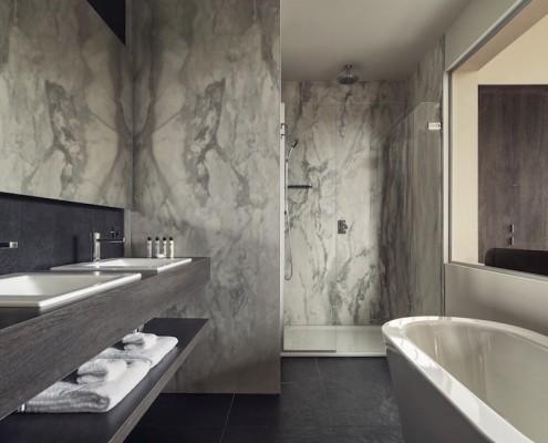 Terhills Hotel Bathroom